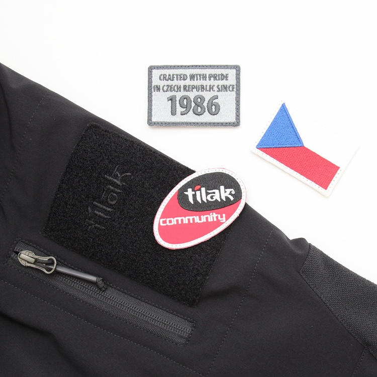 https://www.twopedalcycles.com/wp-content/uploads/2019/10/192-noshaqmigjacket-black-top.jpg